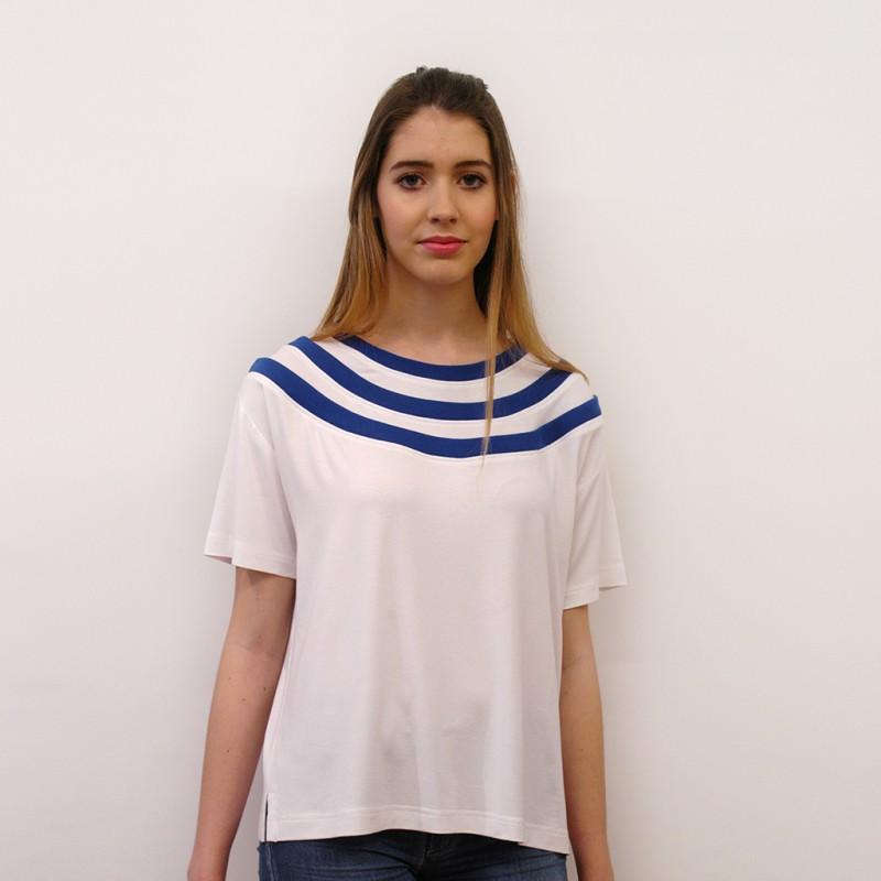 Camiseta tres cuellos