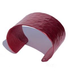 Red martelé aluminum bracelet