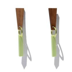 Pendientes de madera y plexiglass con anilla verde