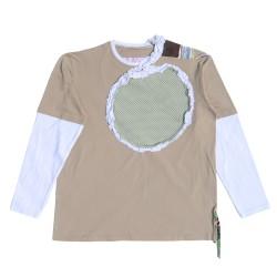 Camiseta beige con insertos y patchwork